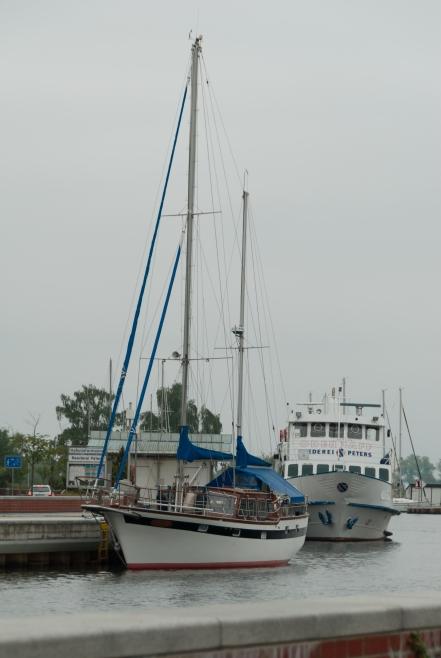 Ueckermünde - jachty i statki prawie w centrum (okolice bulwarów)