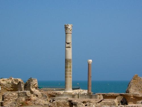 Ruiny Term Antonina. Kartagina - miasto o przebogatej historii, założone przez Fenicjan w IX w. p.n.e. Dziś atrakcja turystyczna, rzadko tak pusta jak na zdjęciu.