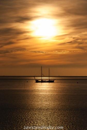 Zachód słońca nad Morzem Watowym